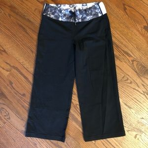 Drawstring cropped flare Lululemon leggings